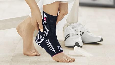 Schmerzfrei und sicher laufen mit Achillessehnenbandagen von medi